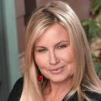 avatar for Jennifer Coolidge