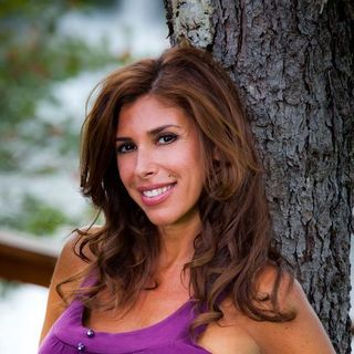 avatar for Felissa Rose