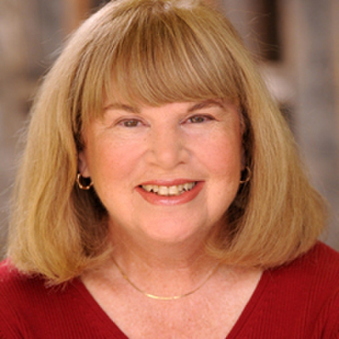 avatar for Elizabeth Fishel