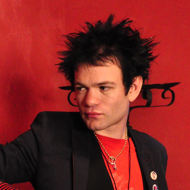 avatar for Deryck Whibley (Sum 41)