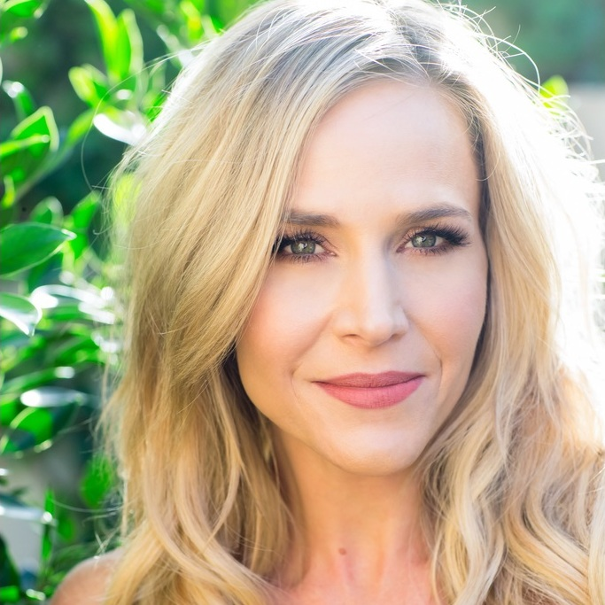 avatar for Julie Benz