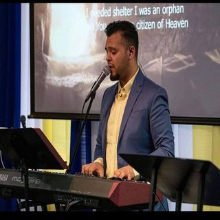Andrew Castillo and Worship band