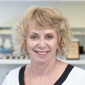 Dr Suzanne Elliott