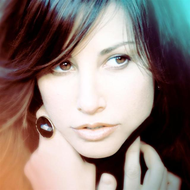 avatar for Gina Gershon