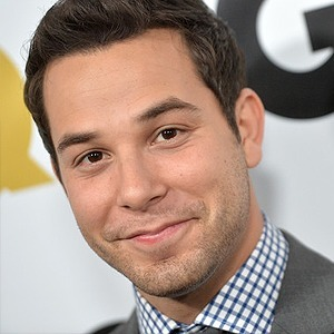 avatar for Skylar Astin