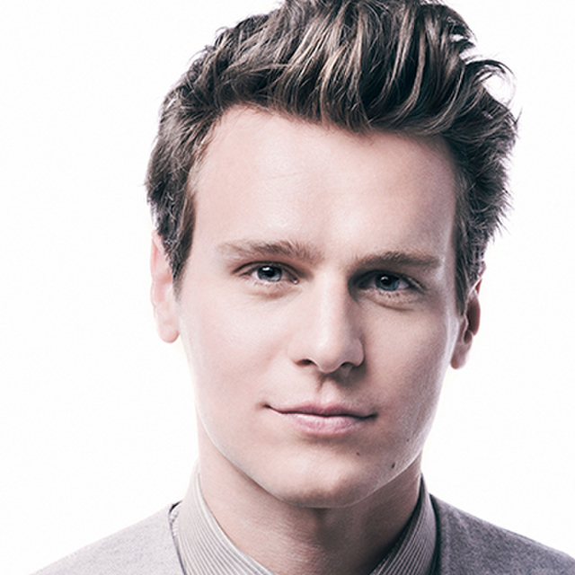 avatar for Jonathan Groff