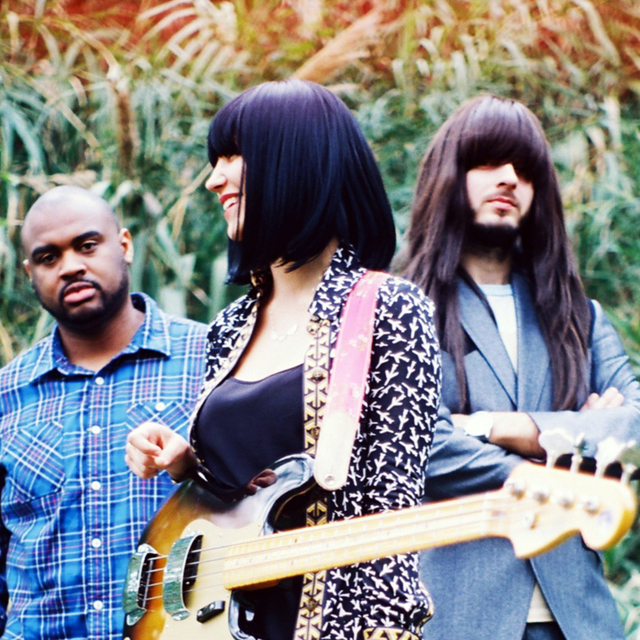 avatar for Khruangbin