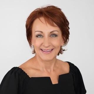 Dr Niki Vincent